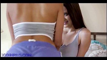 Домашний секс на камеру с густой красоткой