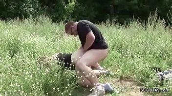 Жаркий секс милой шлюхи брюнетки с ее дружком